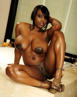 Beautiful ebony bbw in incredible pussy picture