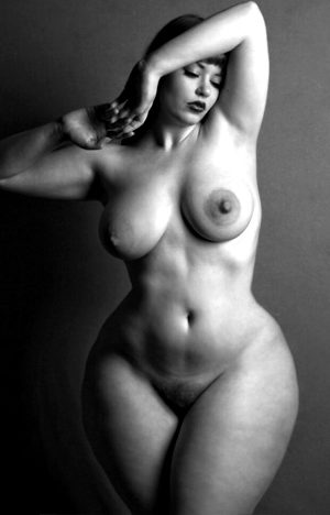 Black and white nudes – Marnie