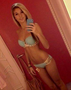 Blonde teen selfie