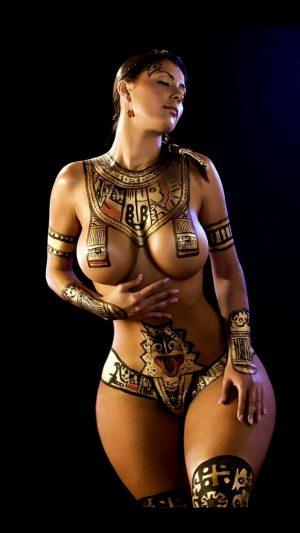 Body Painting – Curvy Aztec Babe