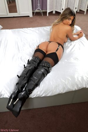 Gorgeous Indian in thigh boots.
