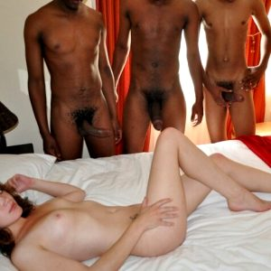 Hot foursome threesome picture with gorgeous dark-skinned ash brown