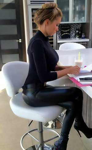 Hottest Secretary in tight pants