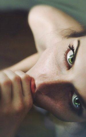 Hypnotic Eyes Blowjob