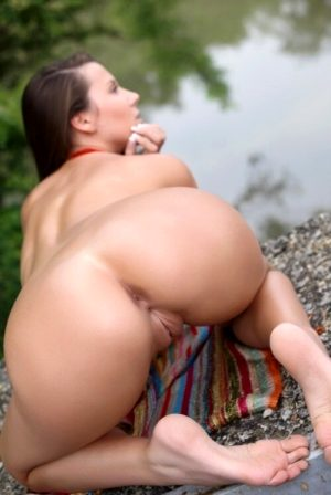 nice pussy with lips openening