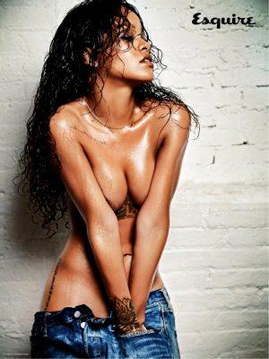 Rihanna is just so sexy.
