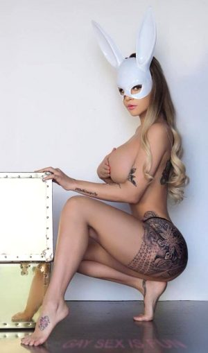 Sexy blonde in nylons ;)