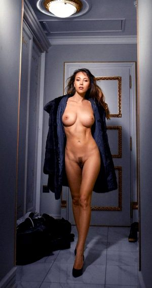 Sexy Brunette Anna Orlova 2