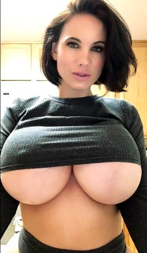 Sexy Brunette With Huge Tits And Underboob