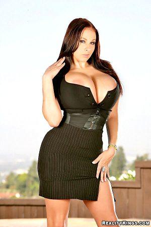 The curvetastic Gianna Michaels