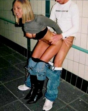 They both seem to be having great time fucking infronta friends at bathroom, the girl seems to have lost herself into a total paradise